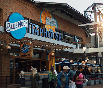 WD_BlueMoonTapHouse_Sign_410x350